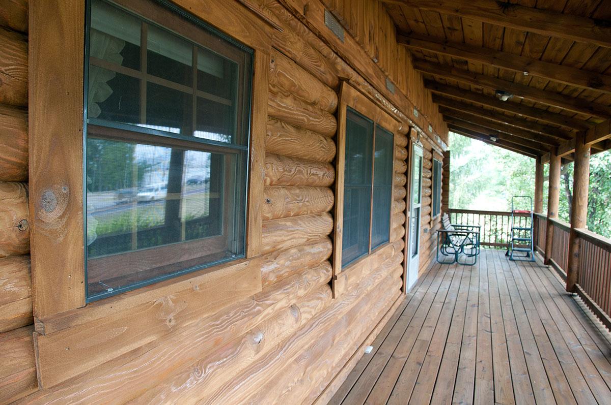 Log cabin 07 exterior wood restoration for Log cabin exterior stain colors